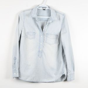J Crew Light Wash Chambray Pop Over Button Down S